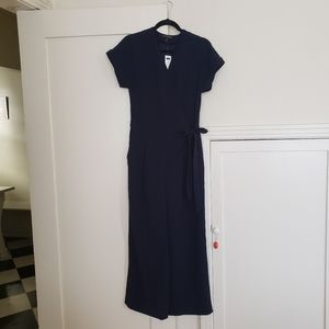 Banana republic Tall navy Jumpsuit size 4 or 6
